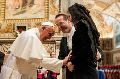le-pape-francois-benit-femme-enceinte-lors-rencontre-avec-corps-diplomatique